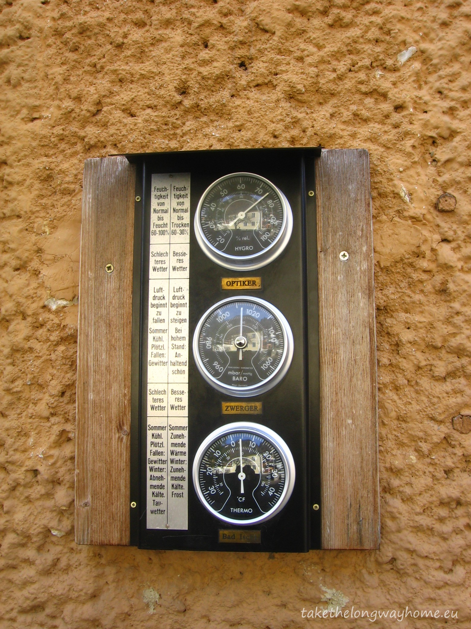 Umiditate 75 % Presiune atmosferică 760 mm Temperatură 4 grade Celsius