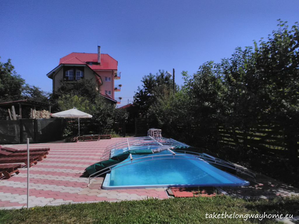 "Loc campare Octogon, strada Dumbrăvii, nr. 78, Dumbrava Roșie, județul Neamt // GPS : N 46°53'18,1"" E 26°25'48,2"" / Lat 46.888362 long 26.430045 // site : pensiuneaoctogon.ro // email : balan_iuliana2000@yahoo.com // telefon : +40744 789 687"