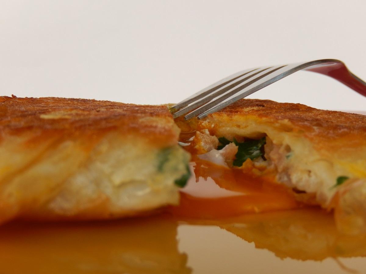 Rețete la rulotă - Ton cu ou în foitaj