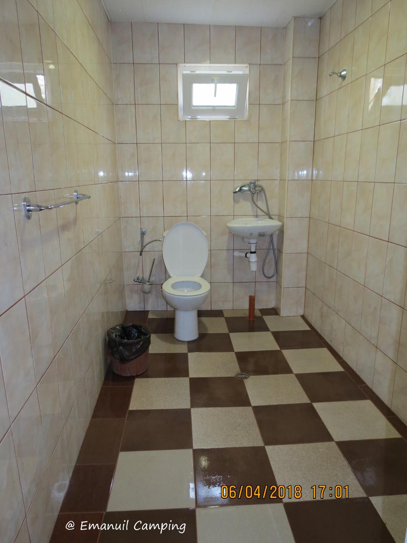 toaleta camping emanuil
