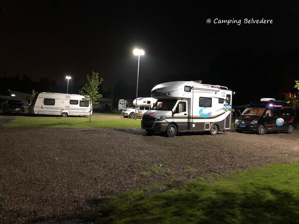 noaptea in camping Belvedere